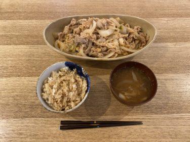 【男の簡単/こだわり料理 NO.7】鯛めしと胡麻油豚キムチ炒めときのことねぎの味噌汁