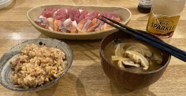 【男の簡単/こだわり料理 NO.8】厚切りベーコンご飯とマグロとサーモンのカルパッチョとキノコの味噌汁